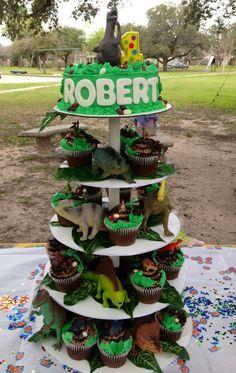 Dinosaur Birthday Cake/cupcakes