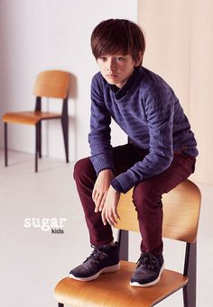 "Brandon from Sugar Kids for Massimo Dutti ""Back to School"" collection. Kid N Teenagers, Kids Boys, Cute Boys, Young Boys Fashion, Little Boy Fashion, Fashion Kids, Boy Models, Child Models, Kids Studio"