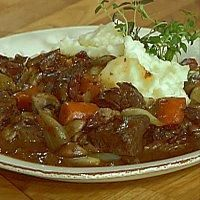 Biffgryte fra Burgund - 20 Min, Bacon, Dinner Recipes, Beef, Food, Meat, Essen, Meals, Yemek