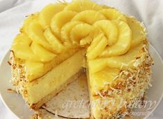 If you like Piña Colada you are going to LOVE this cheesecake! Coconut Cheesecake, Cheesecake Recipes, Dessert Recipes, Cheesecake Bars, Sponge Cake Recipes, Bakery Recipes, Coconut Macaroons, Coconut Rum, Pineapple Coconut