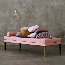 Daybed Diva by Fermliving Pantone 2016, Vintage Sofa, Barcelona Daybed, Deco Rose, Apartment Projects, Banquette, Color Rosa, Cozy Corner, Living Room Inspiration