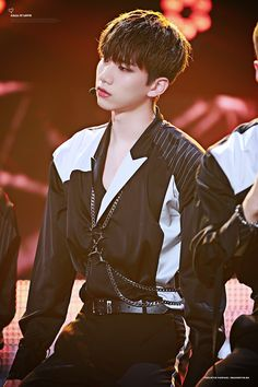 Hyuk, Vixx, Busan One Asia Festival, 161018, Call It Love - do not edit