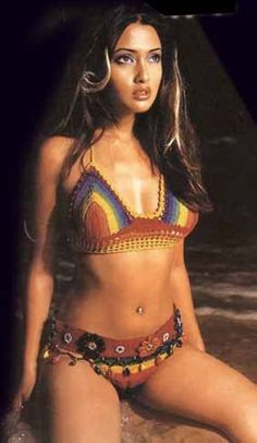 Riya Sen ( b. Riya Dev Varma 24 January 1981 in Kolkata ) is an Indian Bollywood film actress and model. She comes from a family of actors including her grandmother Suchitra Sen - a legend of Bengali cinema, mother Moon Moon Sen and sister Raima Sen. Her father Bharat Dev Varma is from the royal family of Tripura. Her paternal grandmother, Ila Devi was the princess of Cooch Behar, ( her younger sister was Gayatri Devi the Maharani of Jaipur).
