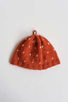 @Lauren Silva teach me to knit. This is an easy hat patter. Via Frolic.