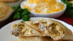 Cheesy Ground Beef Empanadas - Great Grub, Delicious Treats Beef Recipes For Dinner, Ground Beef Recipes, Mexican Food Recipes, Cooking Recipes, Beef Empanadas, Empanadas Recipe, Eggplant Dishes, Side Dish Recipes, Easy Recipes
