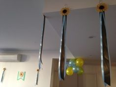 Sunflower party decorations #Frozen #Fever party