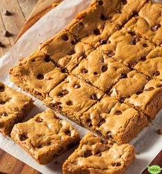 Learn how to prepare this easy Chocolate Chip Blondies recipe like a pro. With a total time of only 35 minutes, you'll have a delicious dessert ready before you know it. Peanut Butter Blondies Recipe, Vegan Blondies, Chocolate Chip Cookie Bars, Mini Chocolate Chips, Brownie Recipes, Chocolate Recipes, Delicious Desserts, Yummy Food, No Bake Desserts
