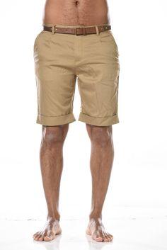 Le bermuda en coton version classique toujours à la mode.