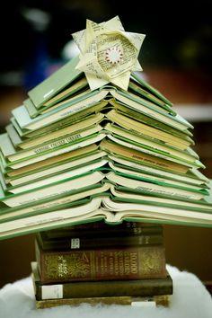The Toymaker's Journal: Christmas Book Tree
