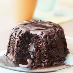 Try Godiva Molten Chocolate Bundt cake! You'll just need 4 oz Godiva dark chocolate Callets, cup boiling water, 1 tbs espresso powder, 1 cup sour cream. Sweet Street Desserts, Volcano Cake, Delicious Desserts, Yummy Food, Chocolate Lava Cake, Honey Chocolate, Chocolate Volcano, Chocolate Week, Chocolate Souffle