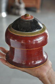 Old Wooden Unique Shape Fine Handpainted Powder Box , Collectible