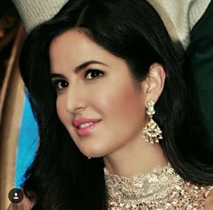 Girls Dp Stylish, Stylish Girl Images, Cute Girls, Cute Love Couple, Profile Picture For Girls, Stylish Dpz, Girls Dpz, Girl Swag, Katrina Kaif