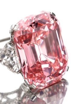 PINK diamond! Don't need to have it, don't even want it, but I can certainly appreciate the beauty.