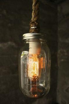 Lampada con corda e barattolo di vetro