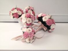 Small Wedding Bouquet made with sola flowers - choose your colors - balsa wood - Alternative bouquet - bridesmaids bouquet