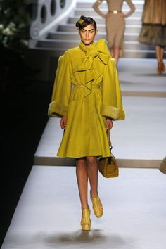 Go back to Poland Black Supermodels, Luxury Brand Names, Catherine Mcneil, Brand Name Clothing, International Style, Australian Models, Fashion News, Fashion Trends, Famous Brands