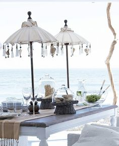 Outdoor dining by PennyBlossom (vintage parasols) Outdoor Rooms, Outdoor Dining, Outdoor Gardens, Outdoor Decor, Cottages By The Sea, Beach Cottages, Beach Houses, Home Beach, Piscina Spa
