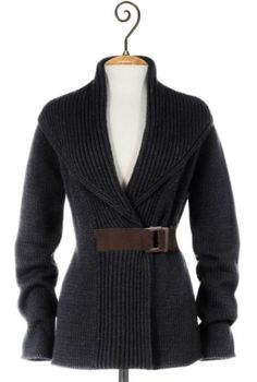 weekend sweater...love the belt...  I wonder if I could sew a belt to a wrap around sweater and make m own...