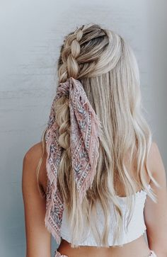 45 Chic Summer Hairstyles with Headscarves hair scarf styles headband hairstyles scarf hairstyles headband hairstyles hair accessories summer hairstyles The post 45 Chic Summer Hairstyles with Headscarves appeared first on Summer Ideas. Hair Scarf Styles, Curly Hair Styles, Natural Hair Styles, Ponytail Styles, Bun Styles, Headband Styles, Summer Hairstyles, Pretty Hairstyles, Headband Hairstyles