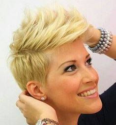 blond short hairstyle with bangs
