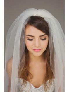 long bridal veil with rhinestones and pearls