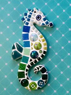 Fun Lily Mosaics D. Mosaic Seahorse Kit for adults and children - zahnpasta Mosaic Garden Art, Mosaic Diy, Mosaic Crafts, Mosaic Tiles, Mosaics, Glass Art Pictures, Pebble Pictures, Stone Mosaic, Mosaic Glass