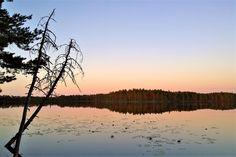 Lopen puolisalainen Komion luonnonsuojelualueen erämaa hurmaa pienet ja isot samoilijat Celestial, Sunset, Outdoor, Sunsets, Outdoors, Outdoor Living, Garden