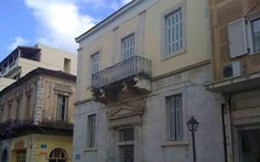 Παρά τις απώλειες κατά την περίοδο της μεταπολεμικής ανοικοδόμησης η Τρίπολη διατηρεί ορισμένα από τα σημαντικά της αρχιτεκτονήματα.