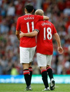 Paul Scholes ( right ) and Ryan Giggs ( left )  #Legends