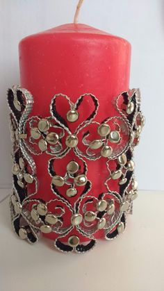 Cup Crafts, Pillar Candles, Upcycle, Candle Holders, Christmas, Fashion, White People, Foil Art, Decorated Bottles