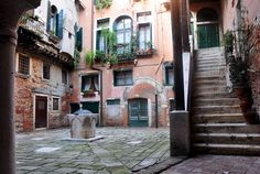 concealed campi in Venice