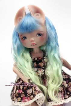 kagami-design:  FACEBOOK || OUR SHOP || COMMISSION INFO || INSTAGRAM -Commission order - New wig for Dust of Dolls  Zouh Spun by Kagami Design. Color: light seawave   Our Commission info https://www.etsy.com/listing/123681762/