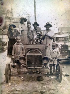 Model T Ford Forum: Old Photo - The Wishful Family Ford
