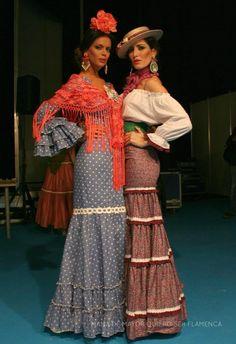 Trajes de flamenca Retro Fashion, Boho Fashion, Fashion Beauty, Vintage Fashion, Fashion Trends, Spanish Dress, Spanish Style, Hippie Style, Bohemian Style