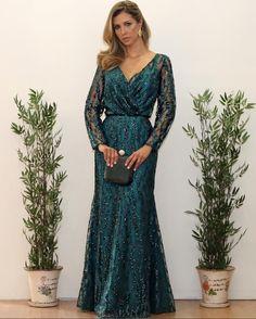 Ideas Wedding Dresses 2018 Indian For 2019 Elegant Dresses, Pretty Dresses, Beautiful Dresses, Wedding Dresses 2018, Country Wedding Dresses, Red Fashion, Fashion Dresses, Muslimah Wedding Dress, Mom Dress