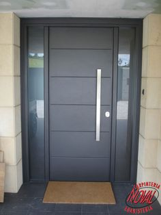 Handle position and deadbolt positions Modern Windows And Doors, Contemporary Front Doors, Modern Entry, Modern Front Door, Wood Front Doors, Front Door Entrance, Modern Exterior, Entry Doors, Front Entry