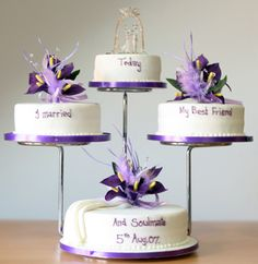 Tiered Wedding Cake Stand - Wedding and Bridal Inspiration Tiered Wedding Cake Stands, 5 Tier Wedding Cakes, Wedding Cake Display, Round Wedding Cakes, Wedding Cake Flavors, Wedding Cake Decorations, Wedding Desserts, Wedding Cake Fresh Flowers, Beautiful Wedding Cakes