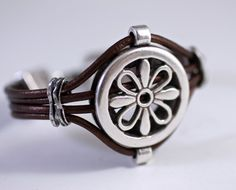 Fabulous Medallion Leather Bracelet Silver Flower Super by amyfine