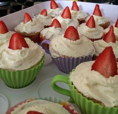 Strawberry and lime cider cupcakes