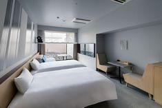 客室紹介 – HOTEL ANTEROOM KYOTO | ホテル アンテルーム 京都 Beige Room, Interior Ideas, Interior Design, Hotel Guest, Okinawa, Guest Room, Bedroom, House, Furniture
