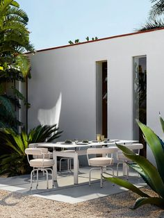 At imm cologne 2020 Cassina unveiled its first collection of outdoor furniture, with designs from Rodolfo Dordoni, Philippe Starck, and Patricia Urquiola. Outdoor Living Rooms, Outdoor Dining, Outdoor Spaces, Dining Table, Pierre Jeanneret, Charlotte Perriand, Patricia Urquiola, Philippe Starck, Le Corbusier