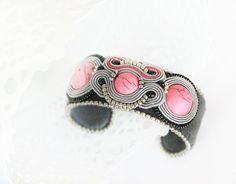 Pink bracelet Beaded grey bracelet beaded Pink cuff by pUkke