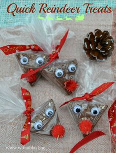 Quick Reindeer Treats ~ Took me less than 3 minutes to make one of these cute Christmas Reindeer Treats - perfect for classmates, stocking fillers etc #ChristmasTreats www.WithABlast.net