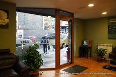 Hotel Catalunya Pas de la Casa Andorra visitas a Inuu y Caldea (el centro termo-lúdico más grande de Europa, ubicado en Andorra), cursos de esquí, cursos de snowboard, forfaits, seguros, escalada, senderismo, rutas con bicicleta, visitas a los Parques nacionales de Sorteny y el parque del Comapedrosa , la Vall d'Incles o la Vall del Madriu patrimonio de la humanidad etc. hotel.catalunya@andorra.ad   http://www.hotelcatalunyaandorra.com   .