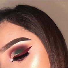 Maroon and green eye shadow. Eye makeup for this fall festive season.