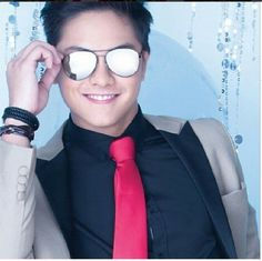 All you need are these cool shades and a nice tie and you're ready like DANIEL PADILLA for your holiday parties! Get them now at the Men's Accessories Department located inside The SM Store San Lazaro Daniel Johns, Daniel Padilla, John Ford, Hot Guys, Dj, Boyfriend, Pinoy, Holiday Parties, Philippines