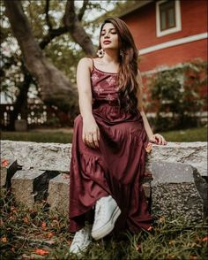 Celebrity Gallery, Celebrity Pictures, Girl Pictures, Blouse Styles, Blouse Designs, Senior Girl Poses, Photography Poses Women, Cute Girl Face, Beauty Full Girl