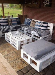 60 Summer DIY Projects Pallet Sofa Design Ideas And Remodel Outdoor Furniture Plans, Wooden Pallet Furniture, Wood Pallets, Diy Furniture, Furniture Design, Recycled Pallets, Rustic Furniture, Pallet Couch, Modern Furniture