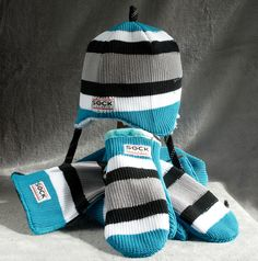 ♥ made from hockey socks!  What a great idea for the team!