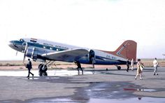 Douglas Dakota at Welkom's airport in the Orange Free State in 1969 Douglas Dc3, South African Air Force, B 52 Stratofortress, Nostalgic Pictures, Luggage Labels, Vintage Airplanes, Civil Aviation, Air Travel, Vintage Travel